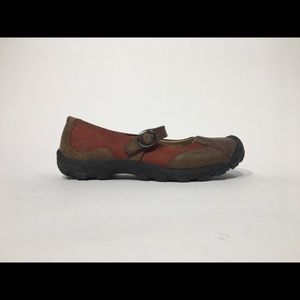 KEEN SISTERS SZ 9.5 LEATHER MARY JANE SLIP ON SHOE